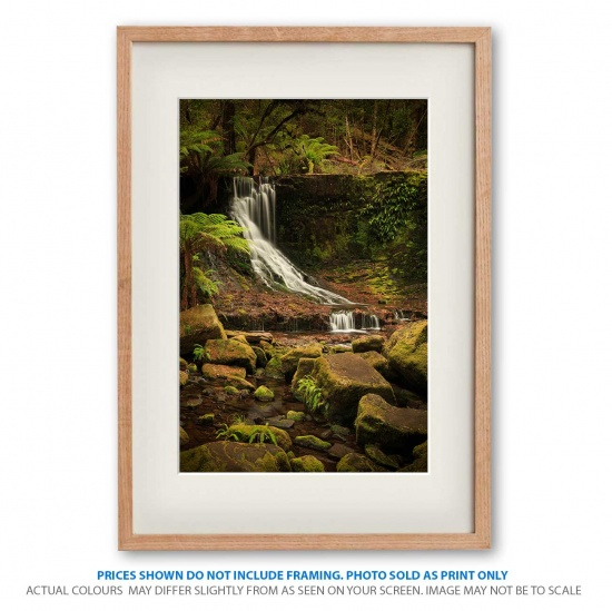Horseshoe Falls landscape photo prints in frame - display only